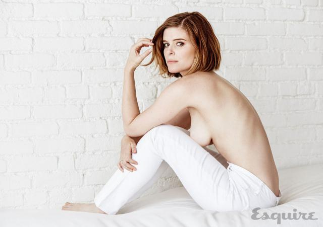 kate-mara-hot-lattrice-di-fantastic-4-in-topless-su-esquire-foto